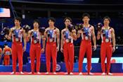 男子団体総合で銀メダルを獲得